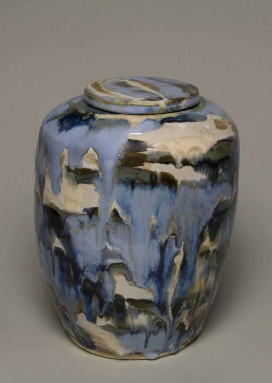 Artystyczne urny. Reęcznie wykonana urna na prochy