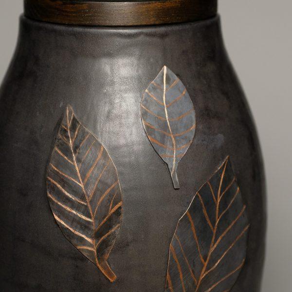metalowe liście